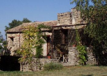 terrasse-du-gite-rural-aux-Artmes